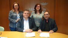 """Signatura del conveni amb """"Artesanas de Corazón"""""""